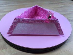 Trekantig skål, rosa/vit