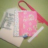 Tyg- och Materialpaket till Stash & Dash, rosa med prickiga kanter